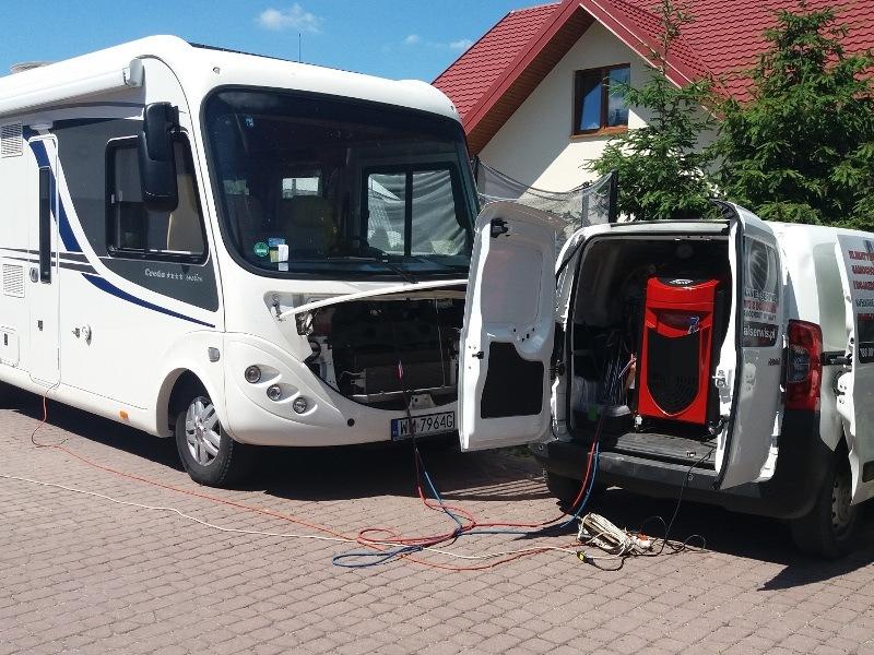 Serwis klimatyzacji autobusu