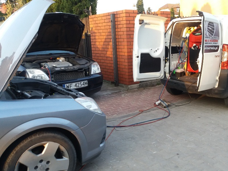 Serwis klimatyzacji samochodu osobowego